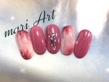 くすみピンクのタイダイネイル