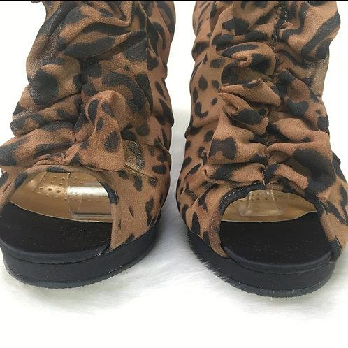 Cheetah ruffle peephole booties sz 10