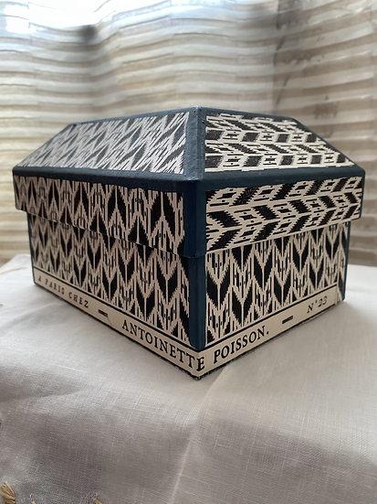 アントワネットポワソン ハンドメイド ペーパーボックス