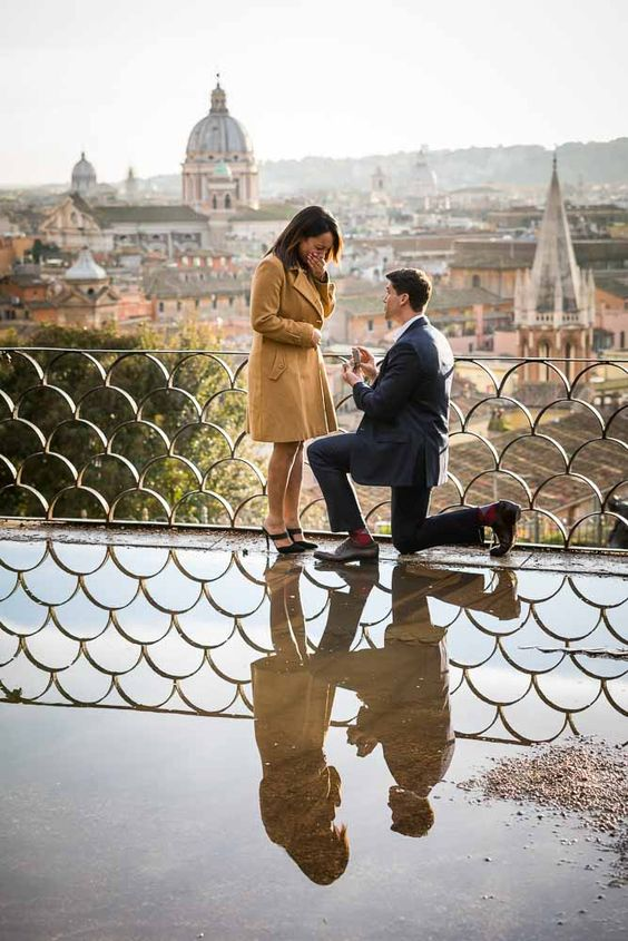 Wedding proposal in Rome