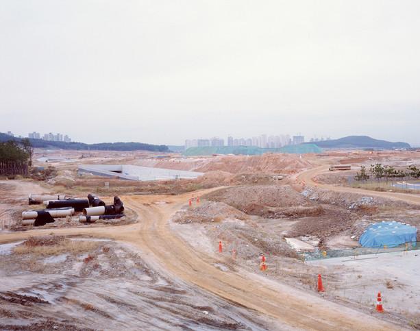 The land-H3, C-print, 120x150cm, 2012