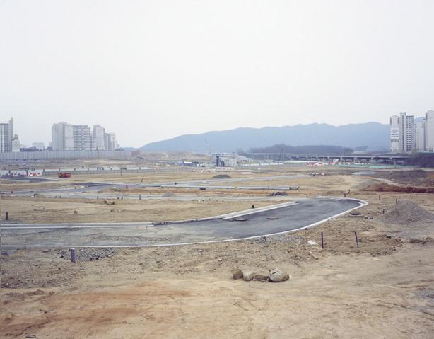 The land-H8, C-print, 120x150cm, 2012