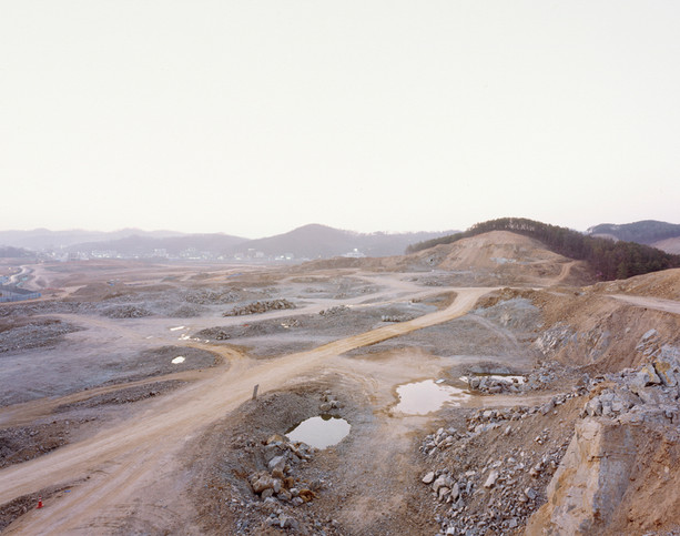The land-H7, C-print, 120x150cm, 2012
