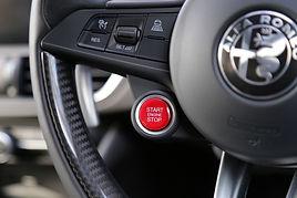 giulia quadrifoglio steering