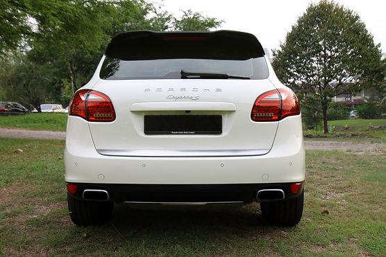 Porsche Cayanne back