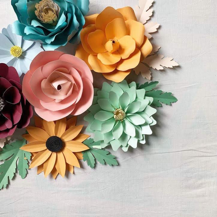 Paper Craft Intermediate (Paper Flowers)