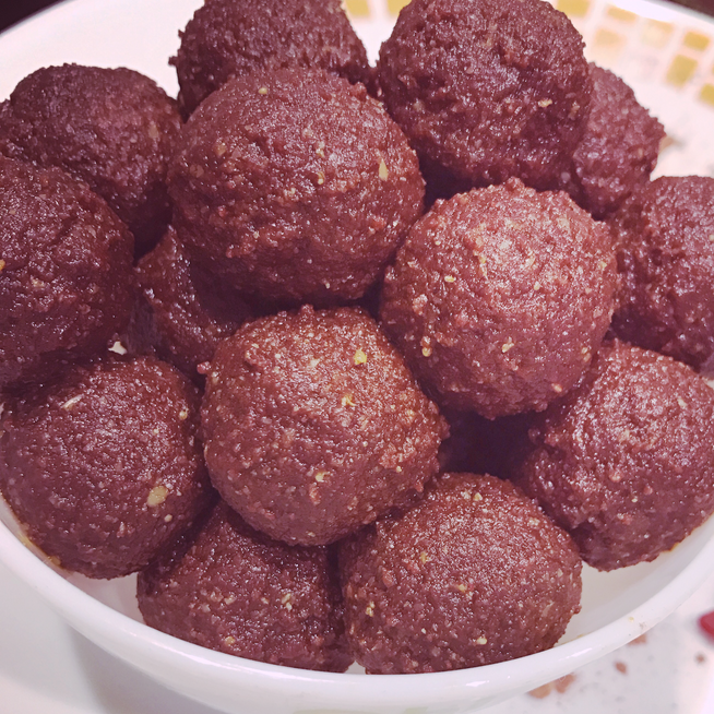 Spicy Cacao Latte Energy Balls