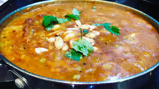 Butternut squash, Acorn squash, Potatoes Sweet and Sour Curry with whole pigeon peas | Sihi Kootu