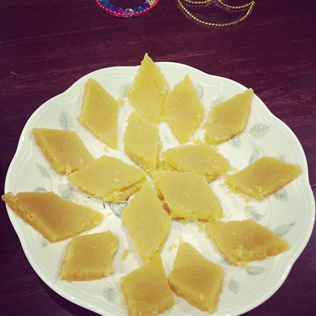 Besan Burfi | Chickpea Burfi | Dessert