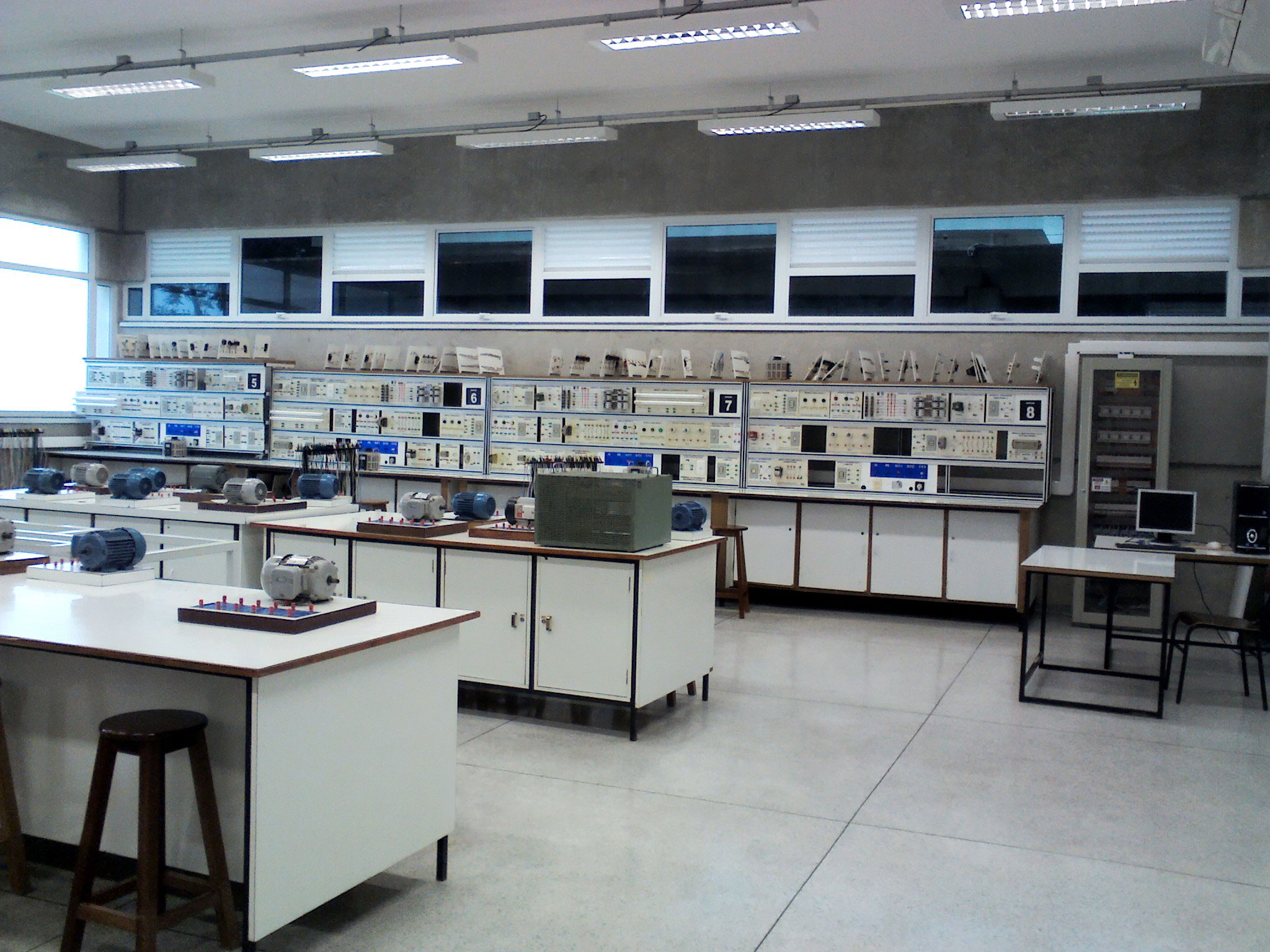 Laboratório de Eletricidade