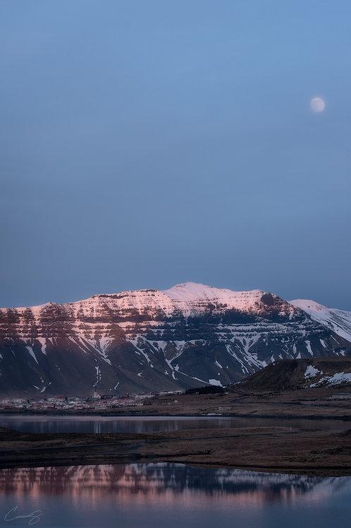 Grundarfjörður at Dusk
