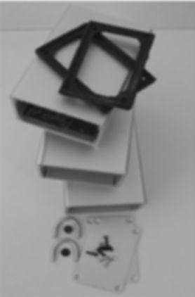 Aluminium Box with all accessories.jpg