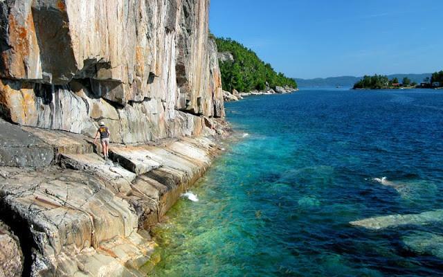 Agawa Rock, Lake Superior