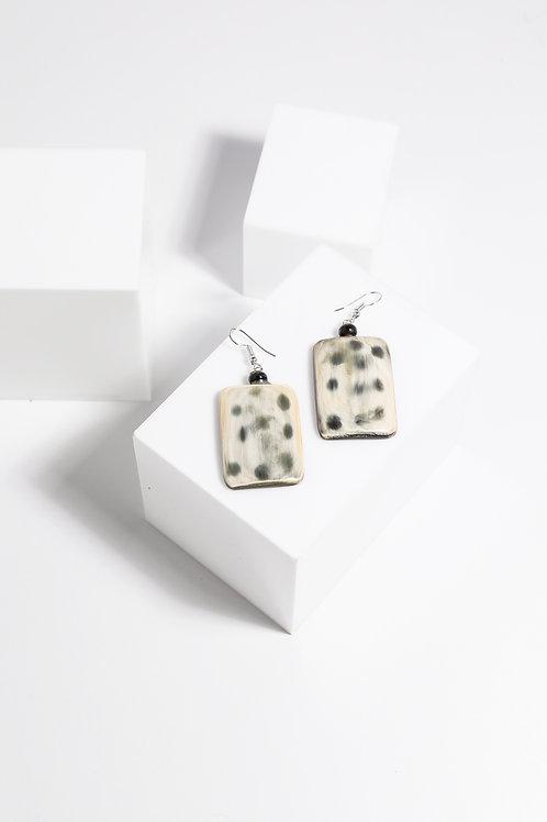 Holiday Vega Earrings - Domino