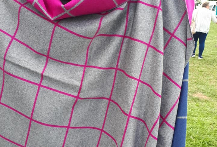 Check Hot Pink on Grey Reversable 20% Cashmere Wrap