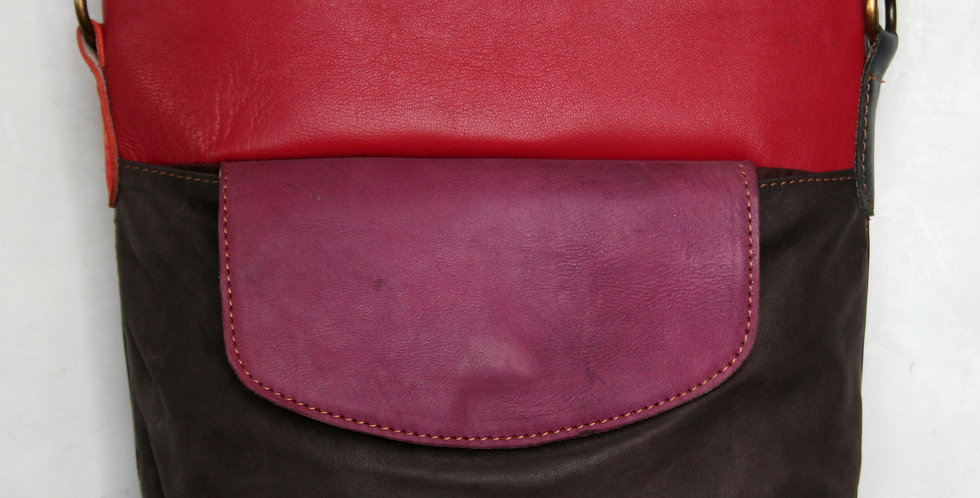 Sac multicolore jaune rouge, rose et brun foncé