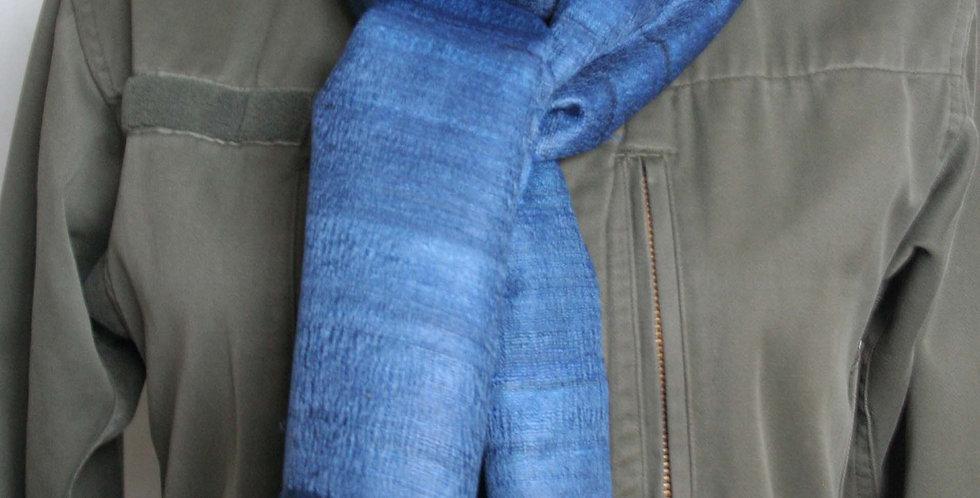 Echarpe en soie sauvage bleue