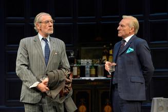 Иэн МакКеллен и Патрик Стюарт в спектакле «Ничья земля»по пьесе Гарольда Пинтера.