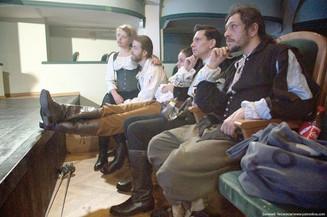 Д'Артаньяны фехтовали в подвале дома Нирнзее