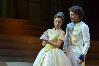Золушка прибыла на Бал в театр «Россия»