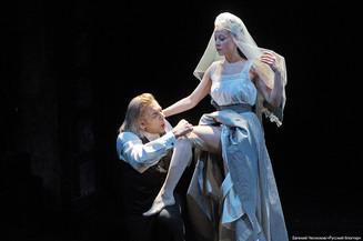 На Симоновской сцене Театра имени Евгения Вахтангова состоялась премьера спектакля «Бовари» по роман