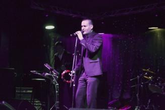 Сольный концерт актера и вокалиста Андрея Бирина в Московском клубе Glastonberry Pub на Дубровке.