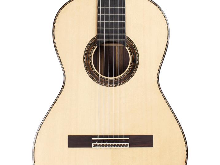Guitarra-de-Concierto-Frontal.png