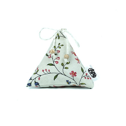 "i love flowers (recycled) ""Pyrascents"" Scented Pyramids/ Herbal Bag - refillable"