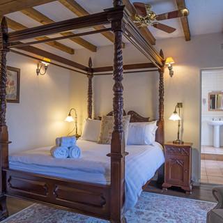 Room 3 and en suite.jpg