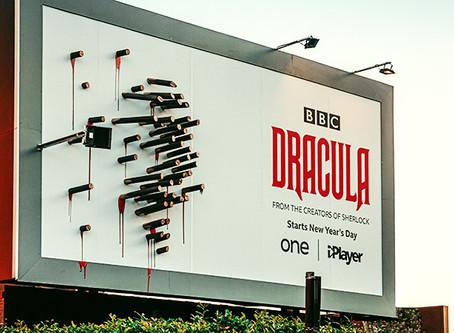 דרקולה יוצא רק בלילה - שלט חוצות אינטראקטיבי