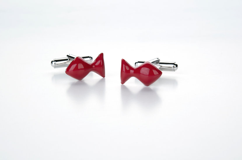 Gemelli pesciolino, in argento e smalto rosso