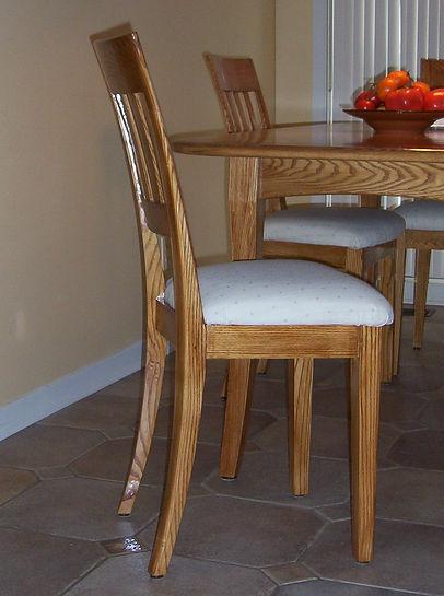 Ensemble de table à dîner en frêne.