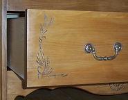 Armoire en pin à deux ventaux