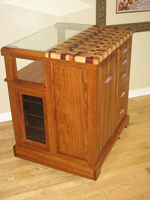 Ïlot mobile avec bloc de boucher en bois de bout.