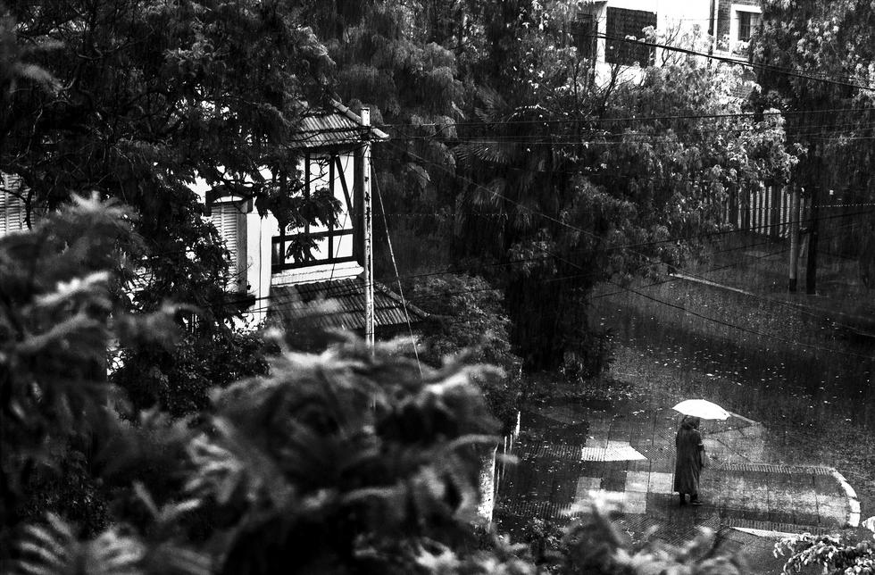 Siempre empezó a llover, fotografías desde Julio Cortázar