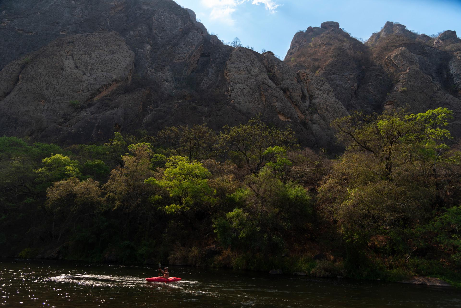 Río Juramento, Kayak y arqueología (Salta, Argentina)