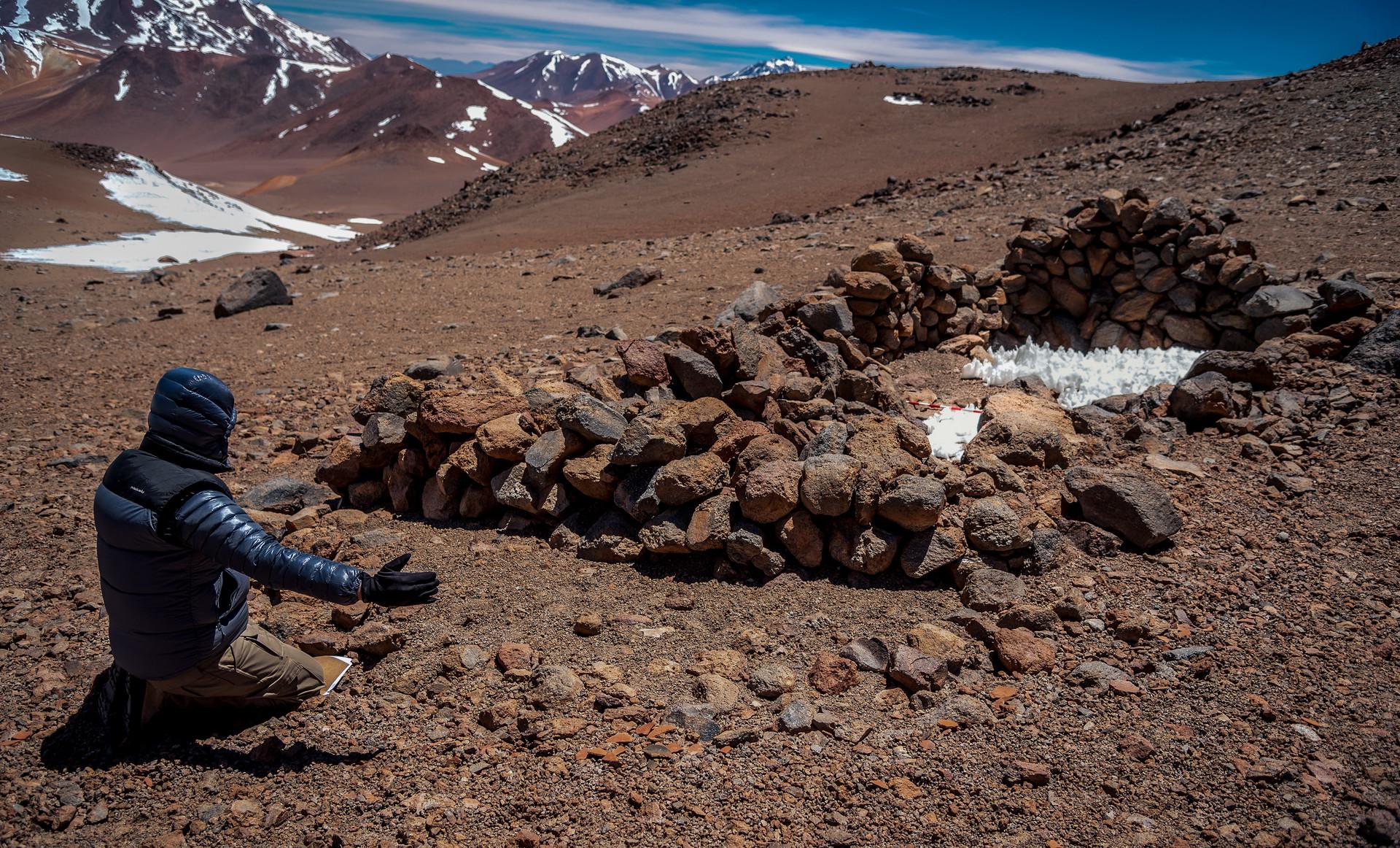 Volcán Llullaillaco 6.739 msnm. Campaña científica en alta montaña (Salta, Argentina)
