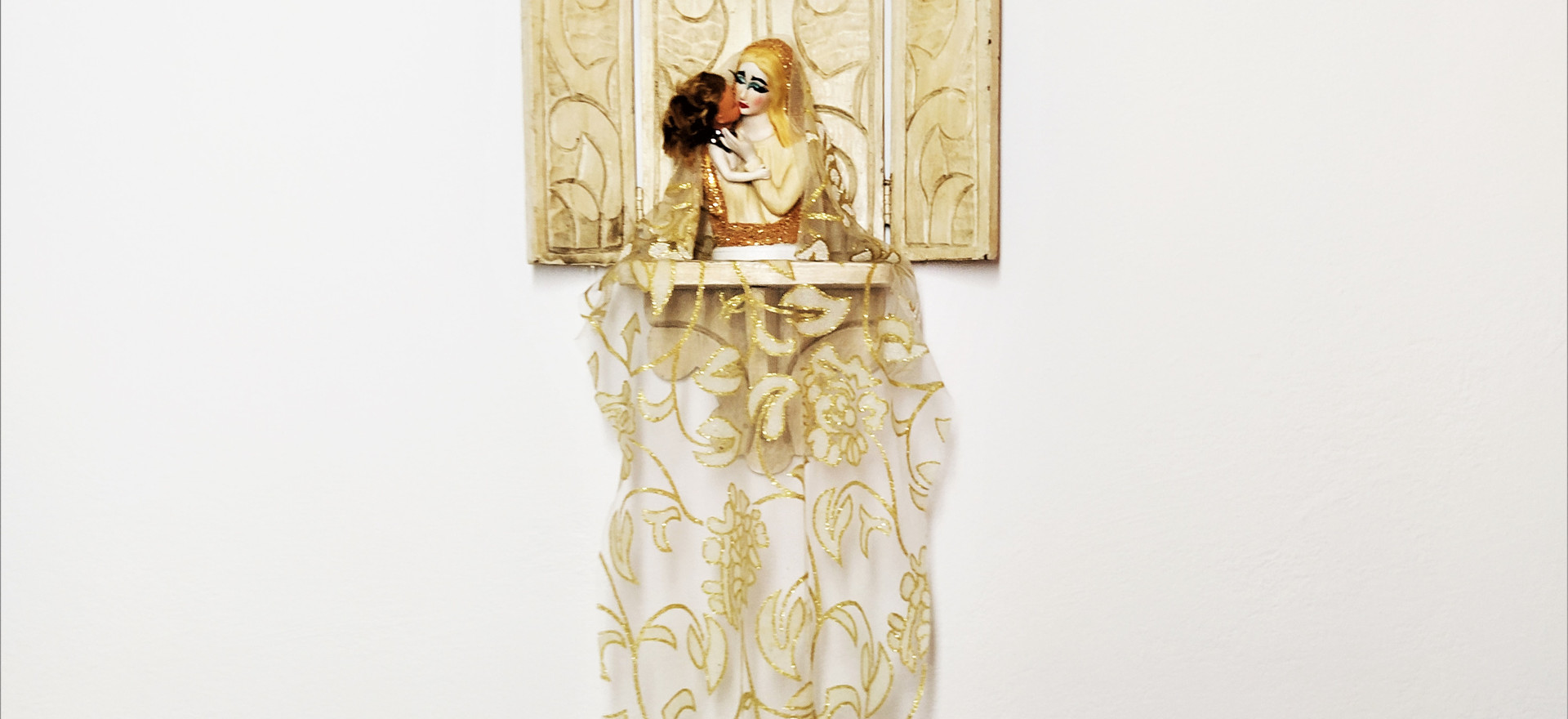 Obra Visual Instalação Série Todes es Santes renomeada #EuNãoSouDespesa