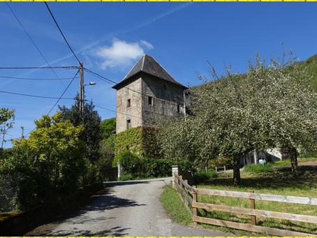 Les tours de Montmayeur par le Col de la Cochette