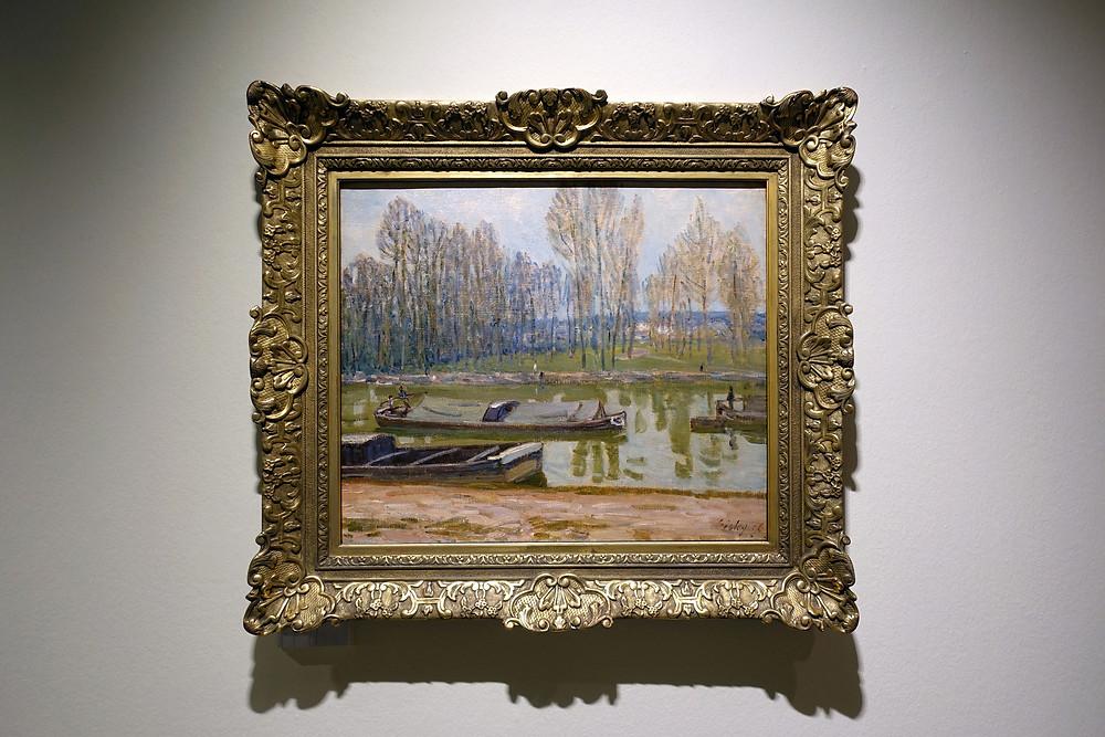 Alfred Sisley - Bateaux berrichons sur le canal du Loing au printemps