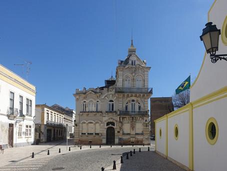 Faro, une petite ville de l'Algarve
