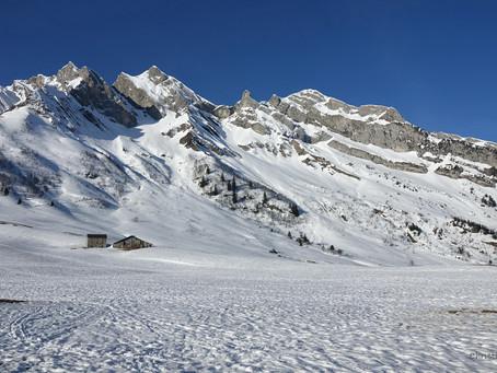 Dans les Aravis face au Mont-Blanc