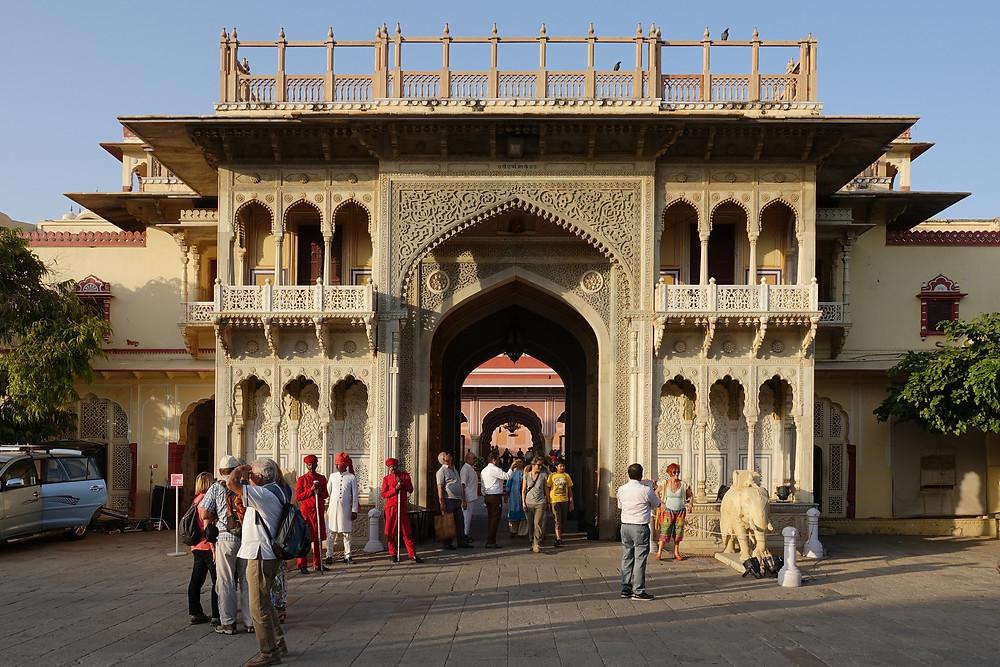La Ganesh Pol, l'une des portes d'entrée dans le City Palace à Jaipur