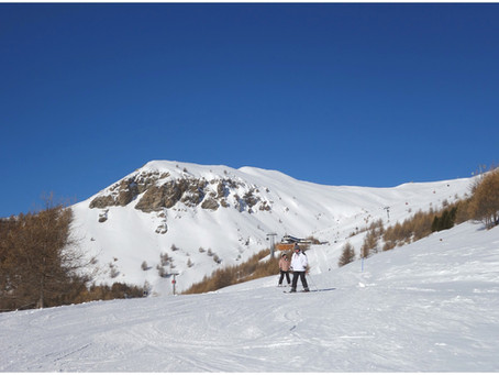 Ski au soleil de la Via Lattea