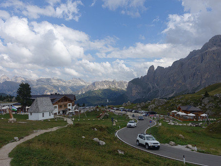 La Traversée du Catinaccio J1 Du Passo Sella à la Plattkofelhütte