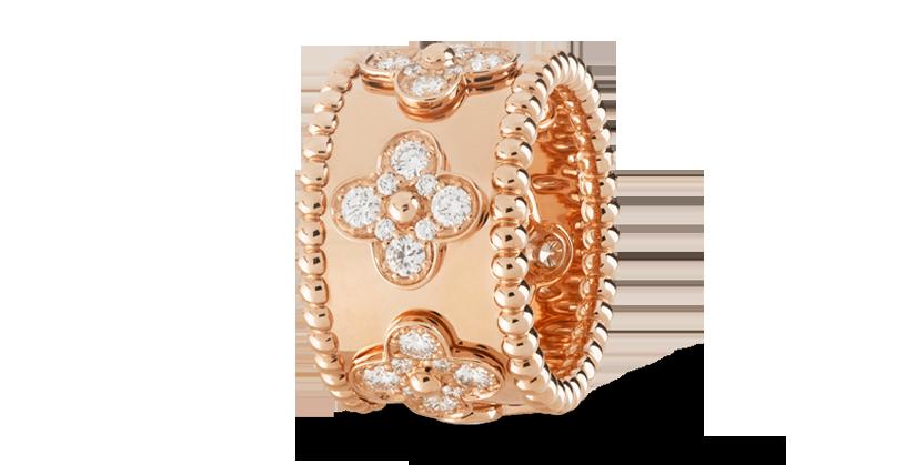 Van Cleef & Arpels Perlée clover ring Medium model