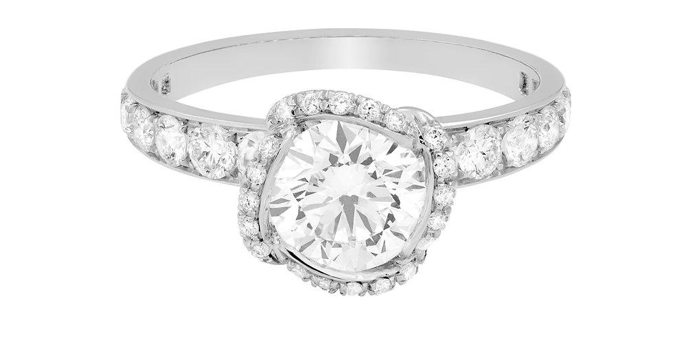 FRED Fleur Céleste engagement ring 0.7 ct.