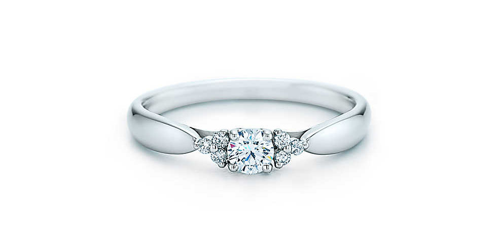TIFFANY HARMONY Diamond Ring with Side Stones