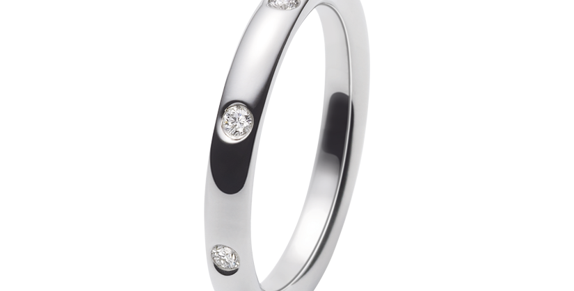 Van Cleef & Arpels Infini Etoiles wedding band