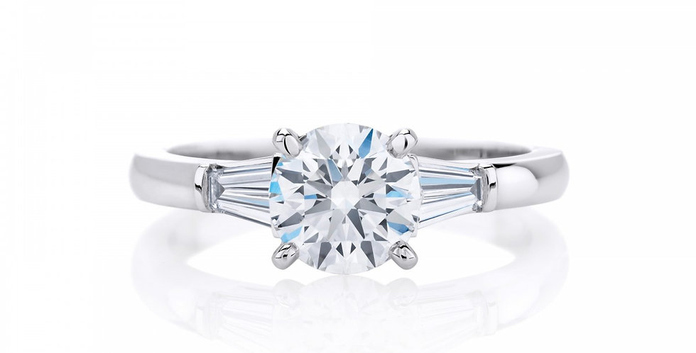 DB CLASSIC SOLITAIRE RING WITH TAPERED BAGUETTES